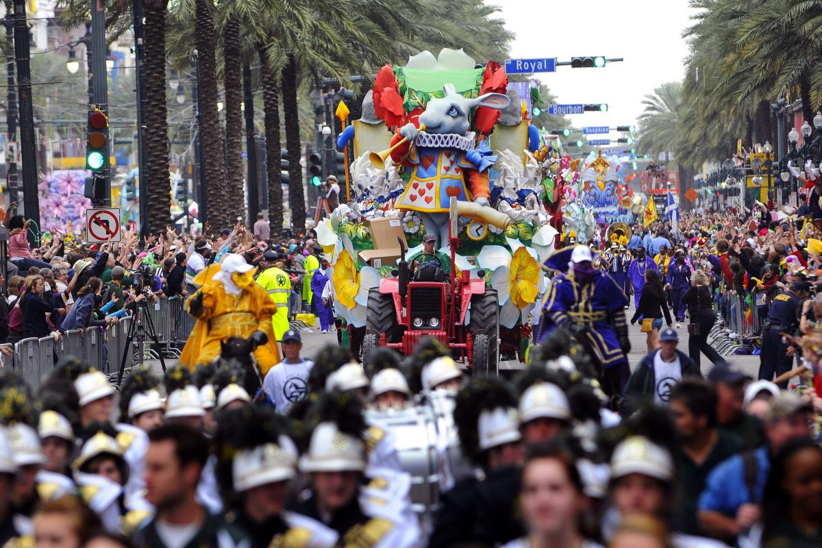 Mardi Gras parade and crowd